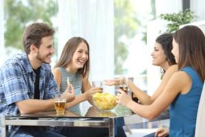 Como família e amigos podem ajudar pessoas com psoríase?